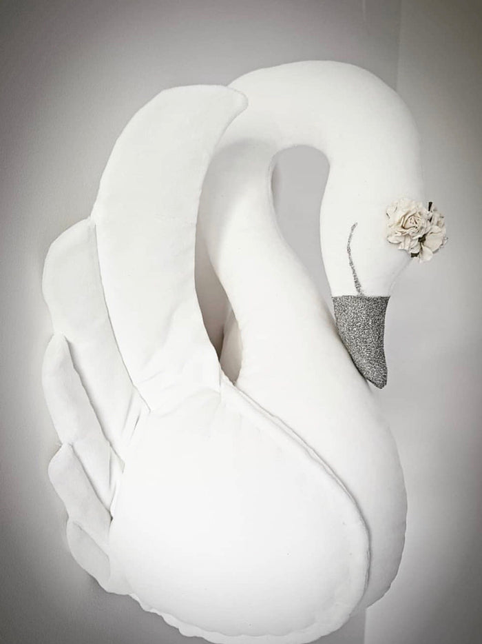 Swan Wall Decoration - White - 3 weeks delivery