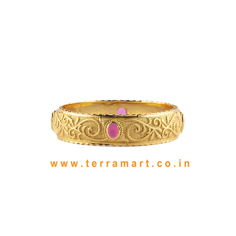 Beauteous Single Bangle With Pink Stone