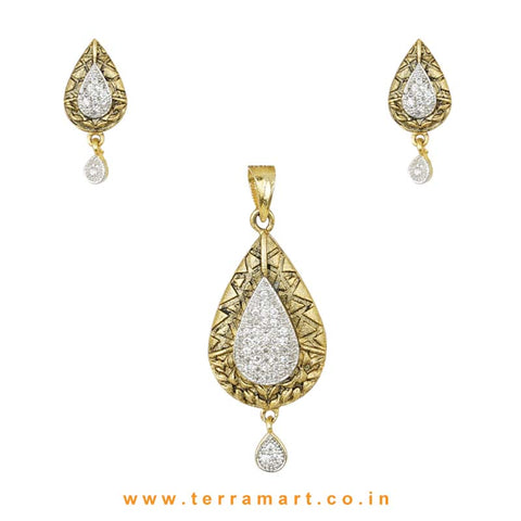 Drop Shaped White Zircon Stone Pendent Set
