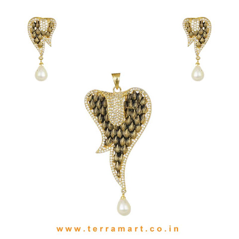 White Zircon Stoned Antique Look Alloy Pendent Set
