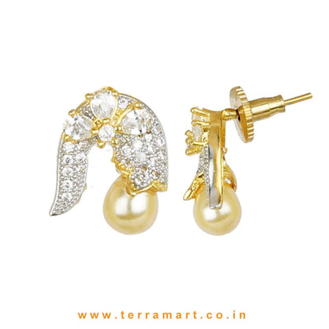 Likeable Floral White Zircon Stone Superb Pendent Set With Pearl - Terramart Jewellery