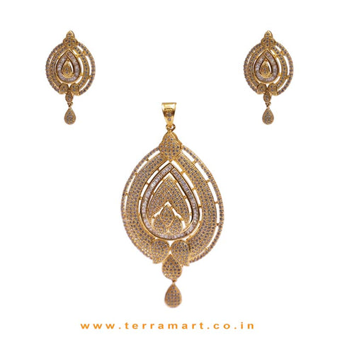 Full White Zircon Stoned Gratifying Pendent Jewellery With Earrings