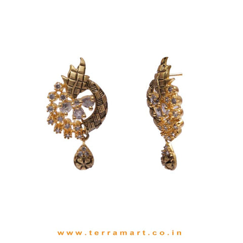 White Zircon Stoned Posh Pendent With Earrings - Terramart Jewellery