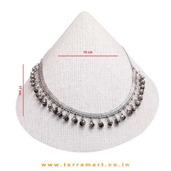 Black Metal Necklace Set With Sonding Beads & White Pearl