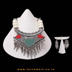 Classy Black Metal Green, Red & White Coloured Broad Pendent Necklace Set - Terramart Jewellery