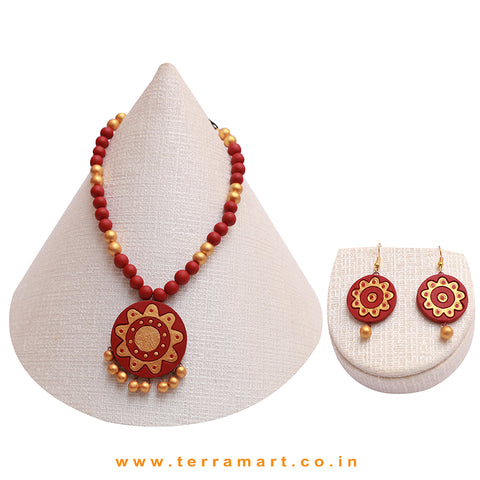Maroon & Gold Colour Combinated Grand Chain Set & Hook Earring