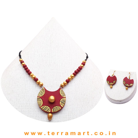 Maroon, Black & Gold Colour Combinated Grand Chain Set & Hook Earring