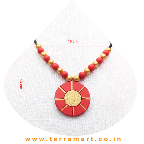 A Grand Chain with Earring in the Combination of Red & Gold