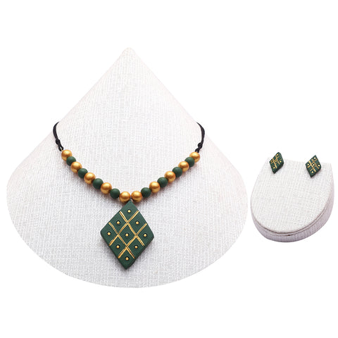 Creatively Painted Sap Green & Gold Colour Handmade Terracotta Chain Set