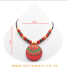A Grand Chain with Earring in the Combination of Red, SapGreen & Gold