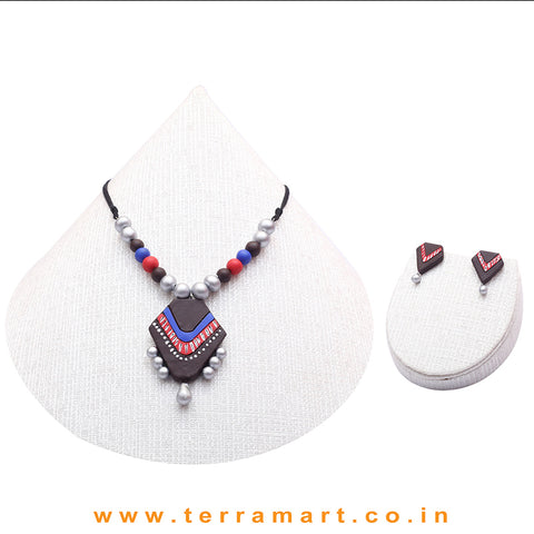 A Grand Chain with Earring in the Combination of Brown, Blue, Red & Silver