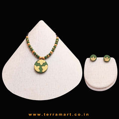 Pleasing Sap Green & Gold Colour Handmade Terracotta Chain Set