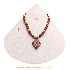 Dark Green, Red & Gold Colour Handmade Terracotta Chain Set With Checks Design