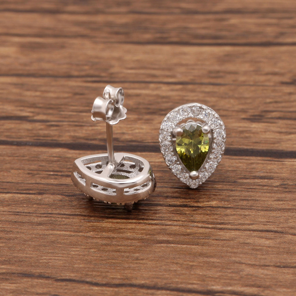 Genuine 0.9ct Natural Peridot Stud Earring (August)