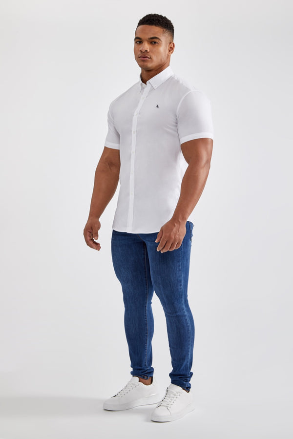 Essential Signature Shirt (SS) in White