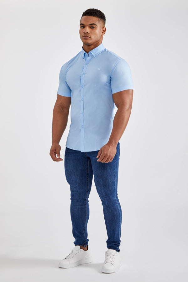 Essential Stretch Shirt (SS) in Light Blue
