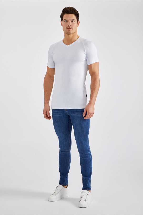 Essential V-Neck in White