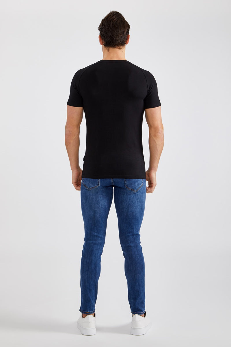 Stretch V T-Shirt in Black