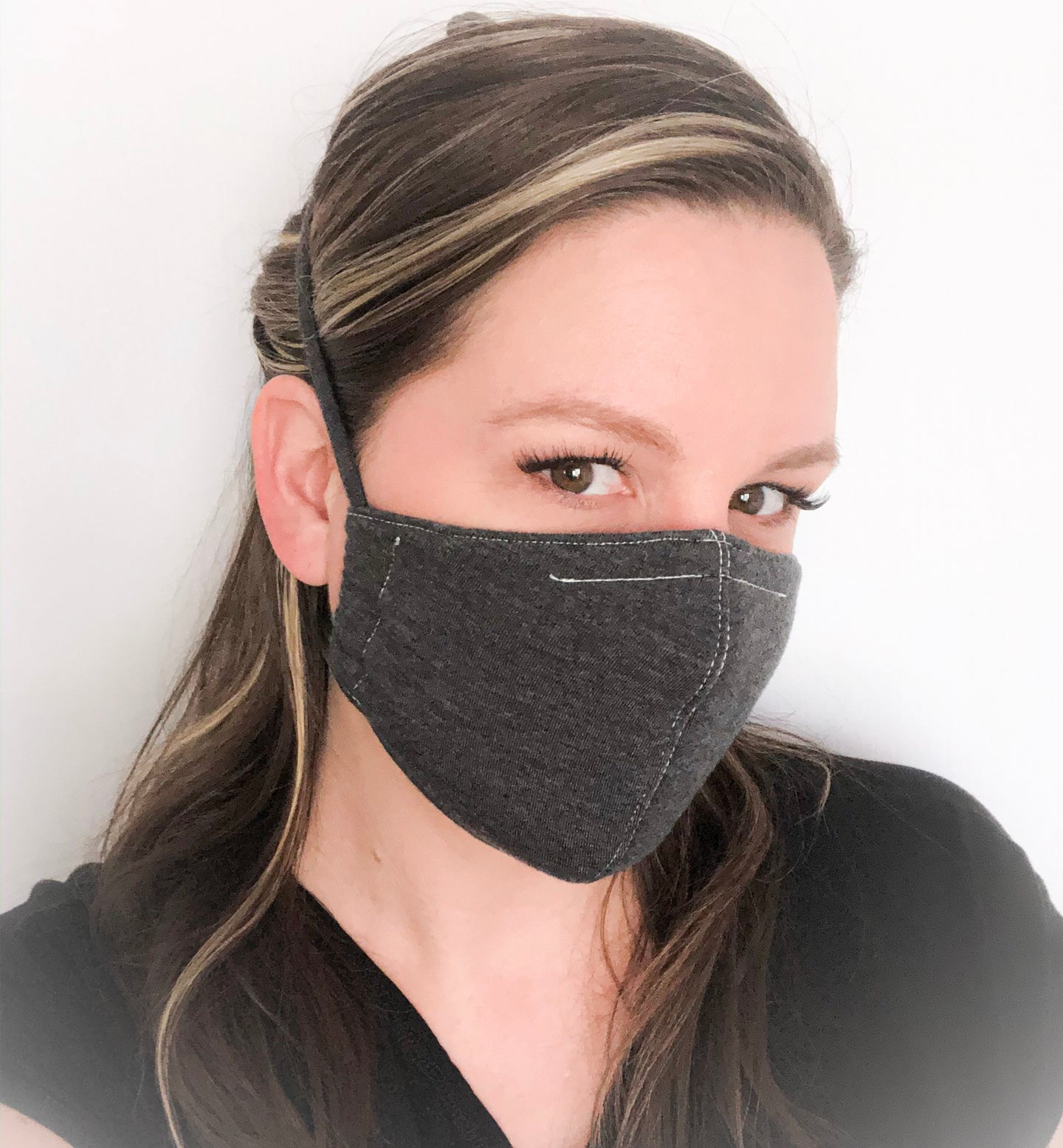Non-medial reusable mask 3 layers with filter pocket and removable nose wire