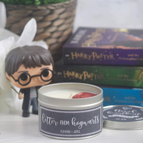 LETTER FROM HOGWARTS SOY CANDLE TIN | 8 OZ EXCLUSIVE