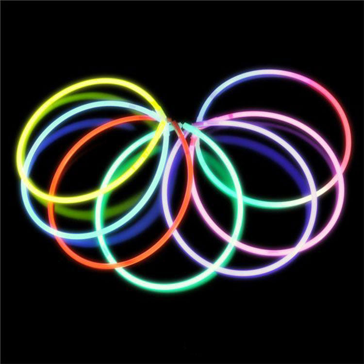 100 Piece assortment of glow necklaces