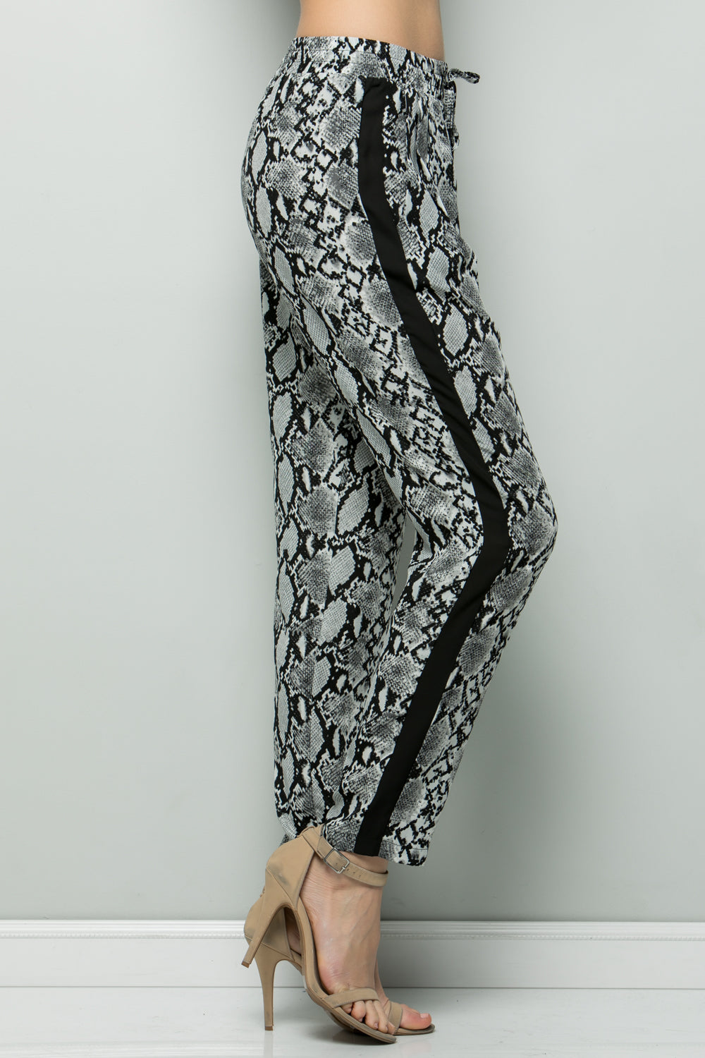 P7046 Animal Print Leggings