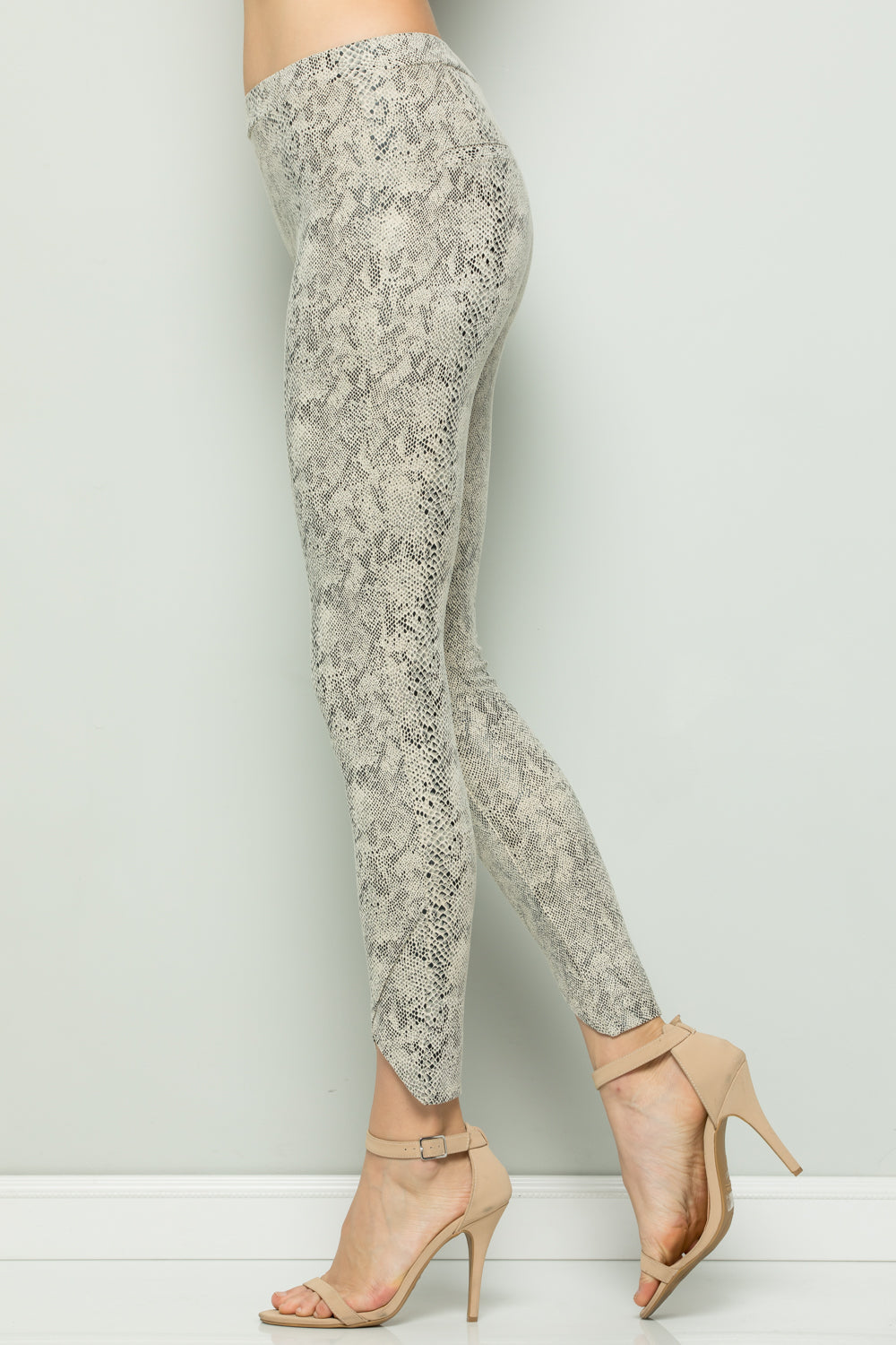 P7059  Snake Skin Leggings - Off White
