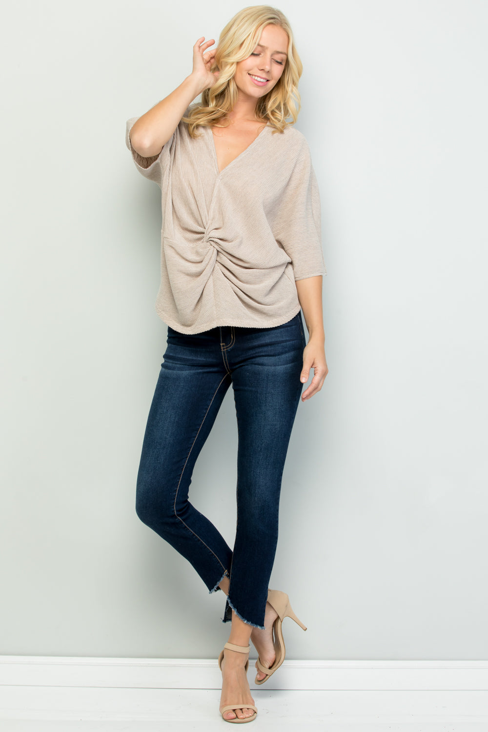 T2752 Twisted Detail Front, Pleated Loose Fit Top