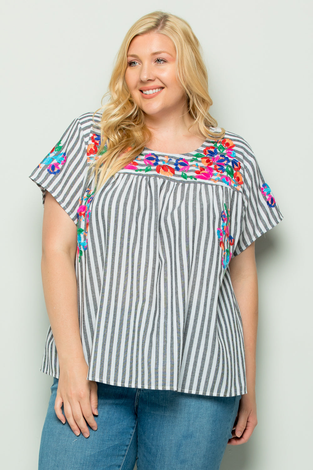 WT2746 Color Embroidery Stripe Top
