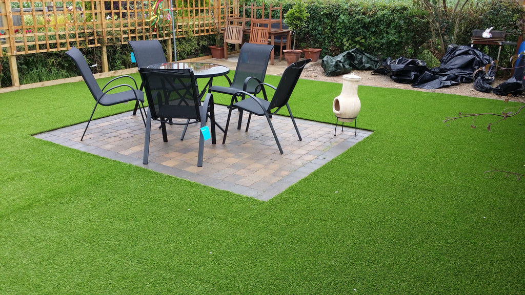 5 Reasons Why You Should Get A Synthetic Grass For Your Dog Turf Guard Window Film