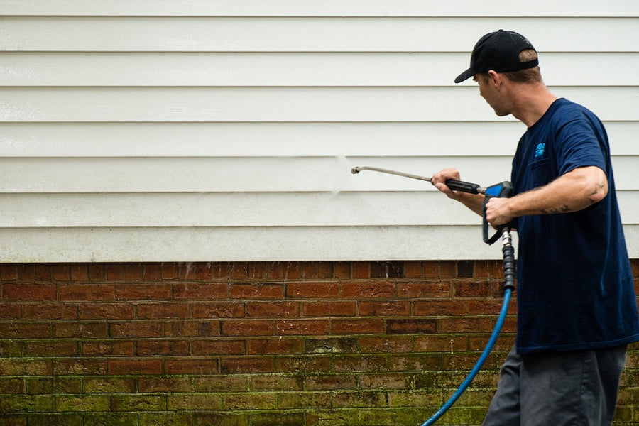 Top Ways of Practicing Vinyl Siding Maintenance by Cleaning