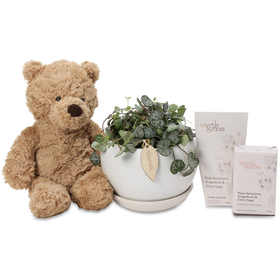Chain of Hearts baby Hamper