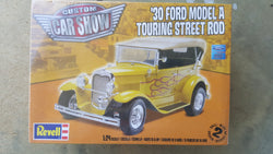 Revell 1/24 '30 Ford MODEL A TOURING STREET ROD