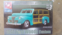 AMT ERTL 1/25 1941 Ford Woody Custom