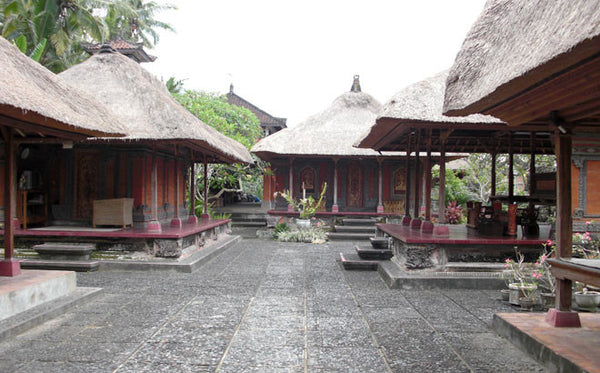 Balinese House Compounds: a Microcosm of the Universe