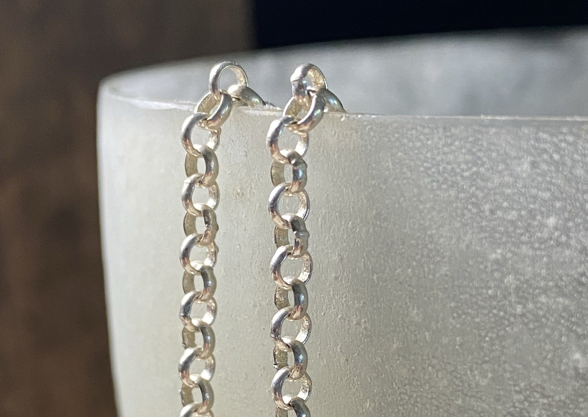 Belcher chain with round links. Sterling silver. Ring clasp