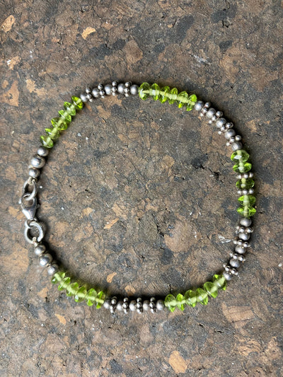 Peridot and silver bead bracelet