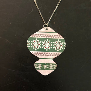 White and Green Ornament Tin Necklace
