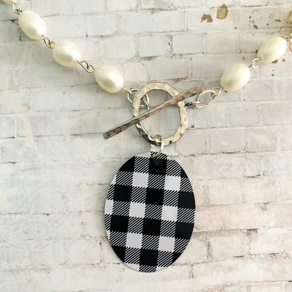 Black and White Buffalo Checked Oval Tin Necklace with Freshwaterpearls
