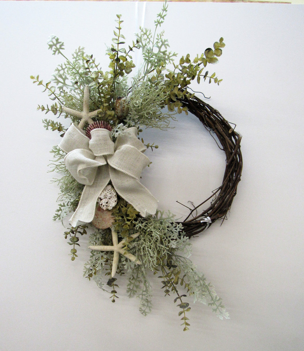 Gallery/AV16 - April's Garden Wreath