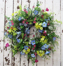 Gallery/Eng34 - April's Garden Wreath