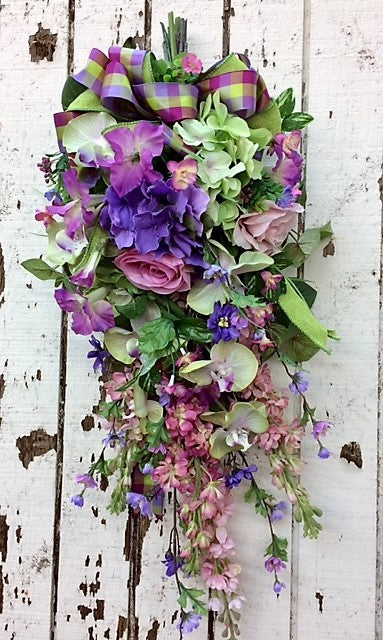 Gallery/Eng106 - April's Garden Wreath