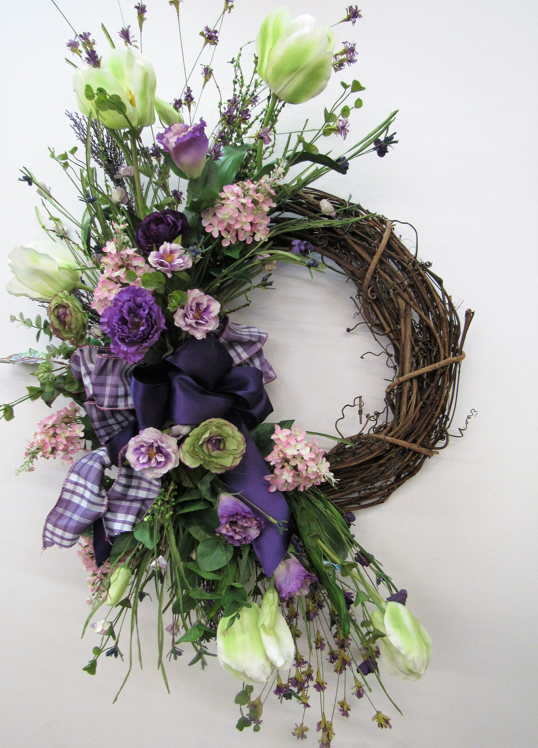 Gallery/Eng147 - April's Garden Wreath