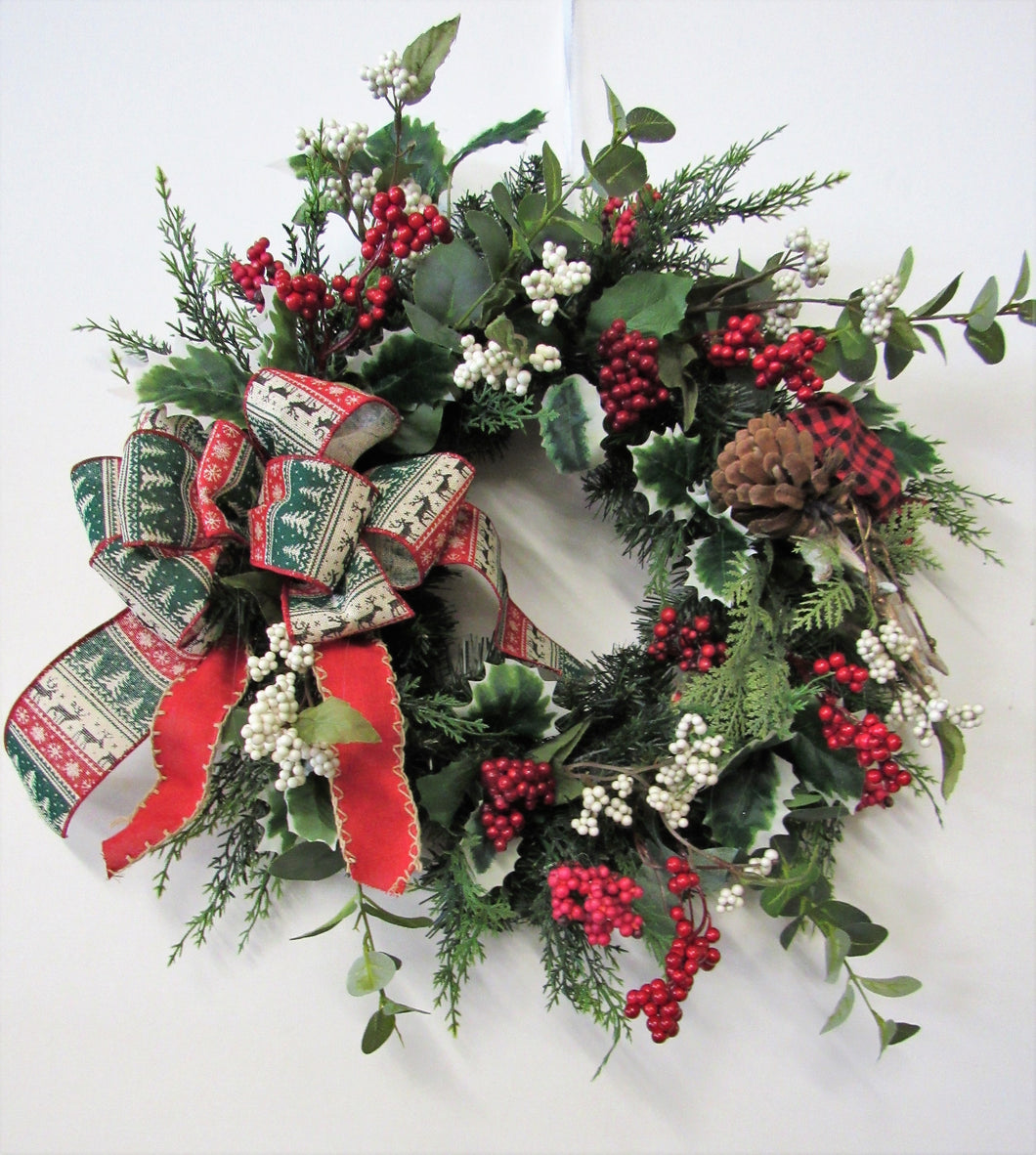 Red and White Berry Winter Wreath/Trans101 - April's Garden Wreath