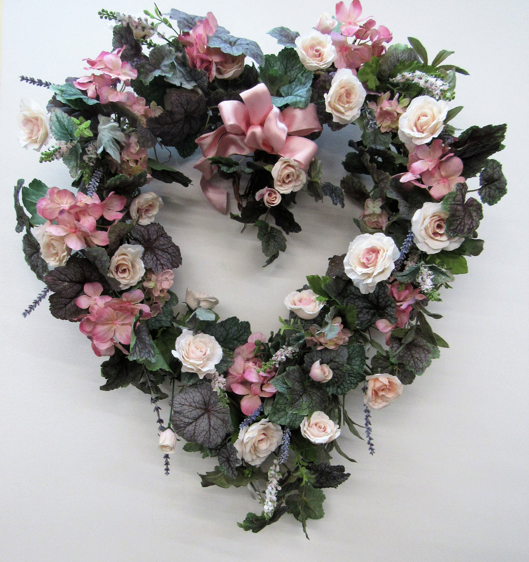 Gallery/Val06 - April's Garden Wreath