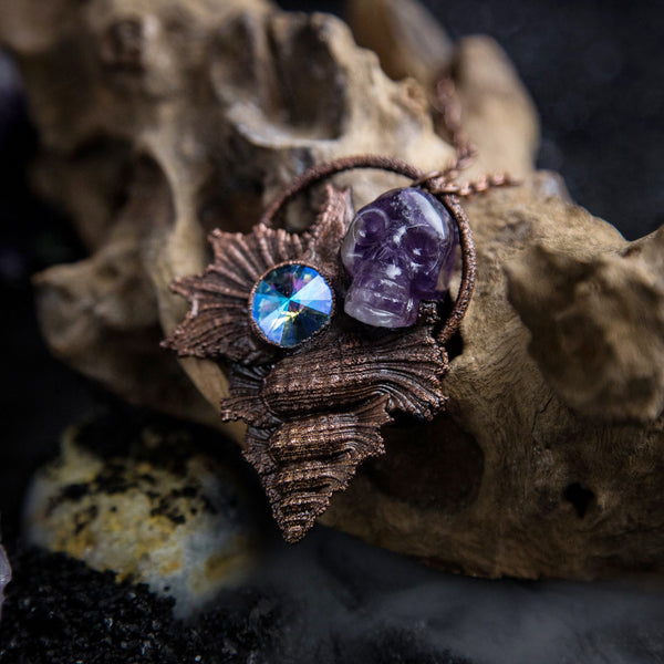 Maple Leaf Shell with Amethyst Skull and Swarovski Crystal