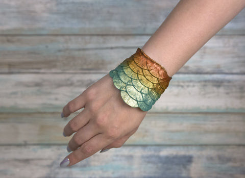 "Merbella Silicone Scale Cuff ""Sunkissed Shallows"""