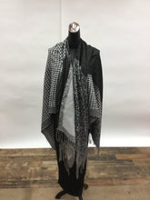 Hounds Tooth/Animal Black and Whote Print Ruana