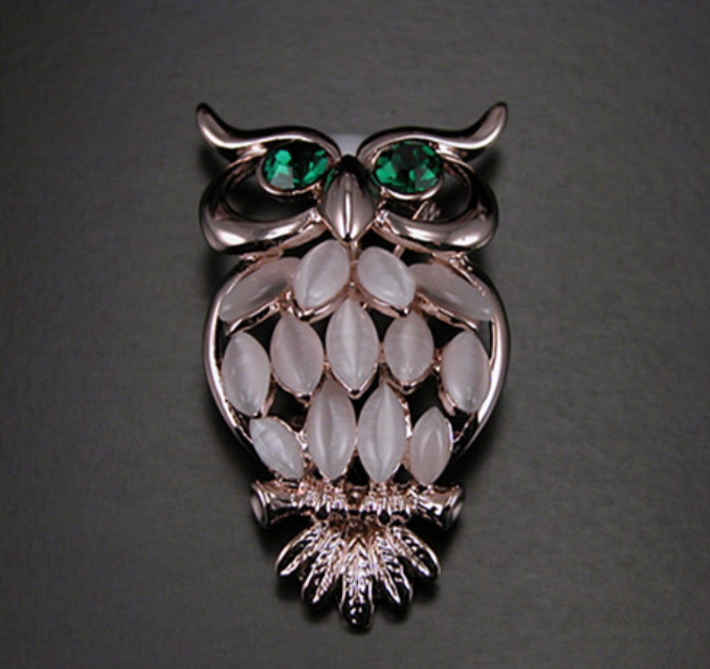 Green Eye Owl Blush Color