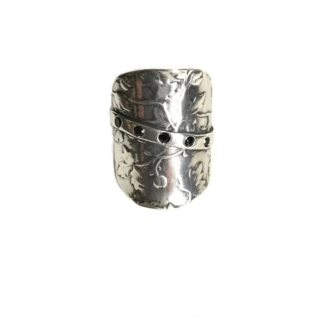 Sterling silver Maple leaf Embossed shield Ring